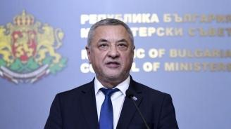 Симеонов: Ще се разделим с ГЕРБ, ако жертват националните интереси, за да напълнят гушите на определени лобита