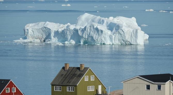 Датската министър-председателка Мете Фредериксен подчерта днес, че Гренландия не е