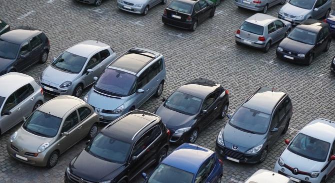 """Изграждат два паркинга и нова детска площадка в бургаския кв. """"Зорница"""""""