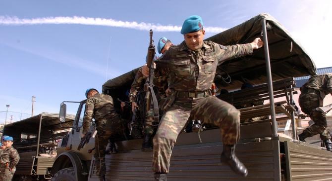 Снимка: Аскер влезе в Сирия. Дамаск удари турци