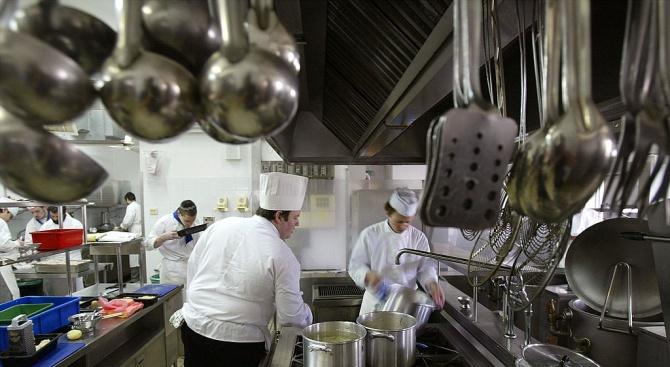 Снимка: Кенийка готви в продължение на 75 часа, за да постави нов световен рекорд
