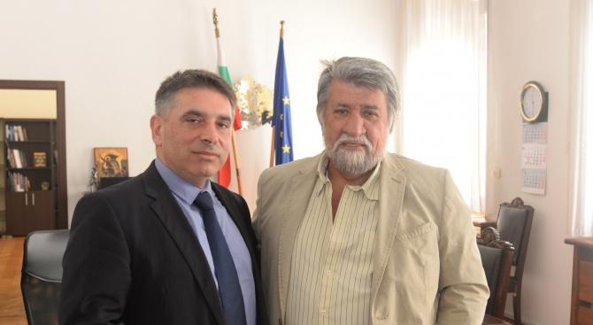 Председателят на парламентарната Комисия по културата и медиите Вежди Рашидов