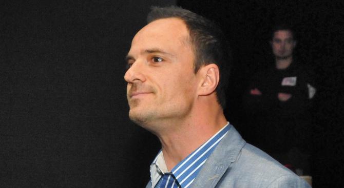 Българският Мистър Дупе Атанас Михайлов се прави на инвалид. ТВ