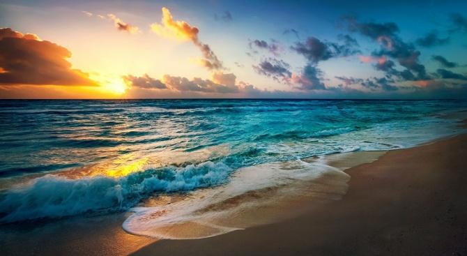 """След проведени конкурси, правителството определи концесионерите на морските плажове """"Къмпинг"""