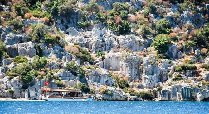 Туристите в Турция харчат със 70% повече от миналата година