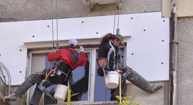 В Добрич 19 жилищни блока са обновени по Националната програма