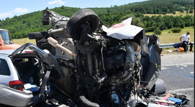 Снимка: Катастрофа край село Росно: Съпрузи загинаха