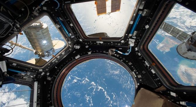 Астронавтите от НАСА Ник Хейг и Андрю Морган, които днес