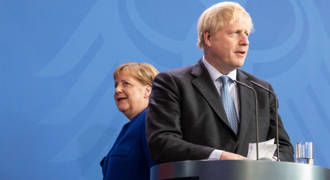 Борис Джонсън пристигна в Берлин, за да проведе разговори с