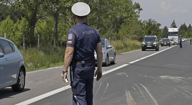 Дрогиран шофьор бе засечен от служителите на реда в Първомай.