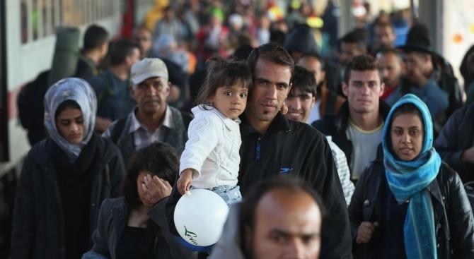 Франция и Гърция ще настояват за повече солидарност в ЕС по отношение на мигрантите
