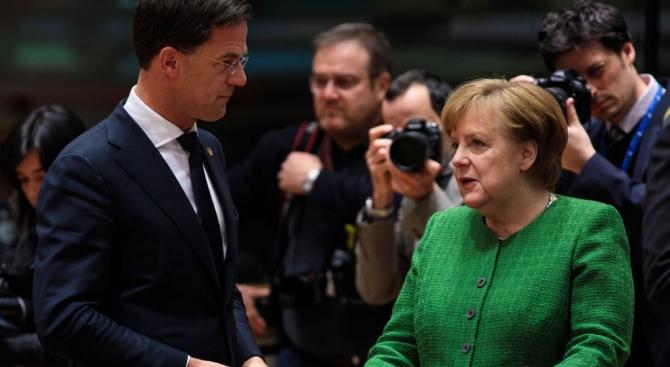 Германският канцлер Ангела Меркел се срещна днес с холандския премиер
