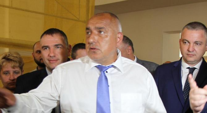 Премиерът Бойко Борисов и председателят Народното събрание Цвета Караянчева ще