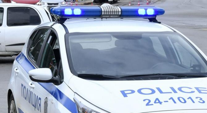 Криминално проявен софиянец бе задържан от самоковските полицаи с канабис.
