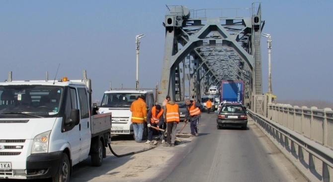 """7-километрова опашка от коли на ГКПП """"Дунав мост 2"""""""