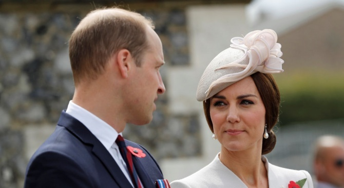 Британският принц Уилям заведе семейството си в Шотландия на гости