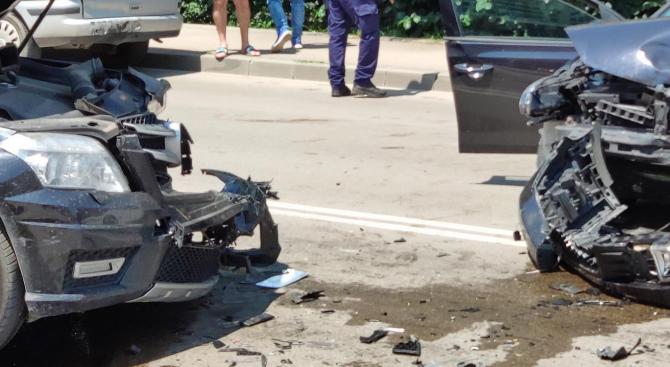 """Челна катастрофа блокира движението към ГКПП """"Маказа"""""""