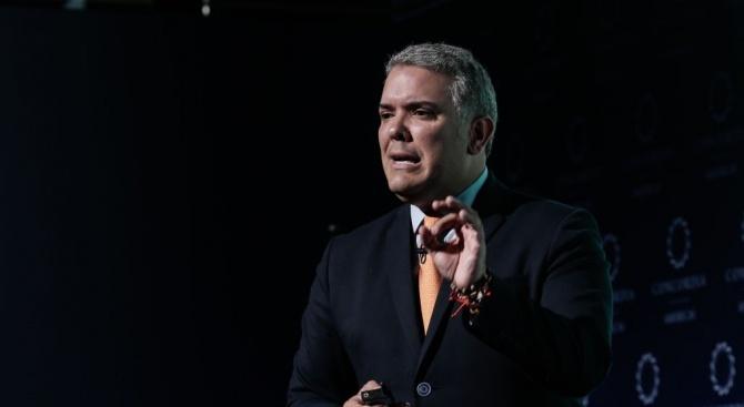 Колумбийският президент Иван Дуке поиска от международната общност да отпусне