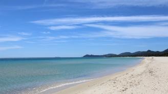 Кражба на пясък от Сардиния: френски туристи заплашени със затвор