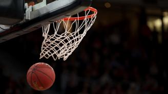 Продадоха баскетболна фланелка на Обама за 120 000 долара