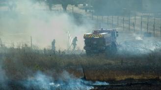 Пожарът в близост до къщите в село Реброво пламна отново