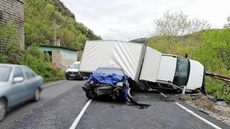 Тежка катастрофа край Новачене: Един загина