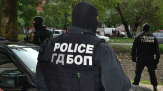 Задаржаха 8 души при спецакция в Благоевград