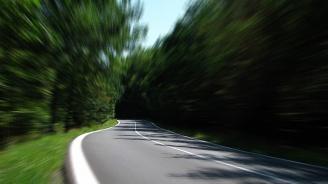 8-годишно хлапе летя по магистралата със 180 км/ч