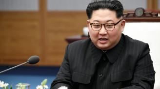 Севернокорейският лидер наблюдава изпитанията на нова ракетна система