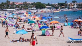 В Барселона евакуираха един от популярните плажове след информация за взривно устройство