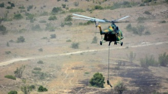 Български командоси преминават екстремно учение
