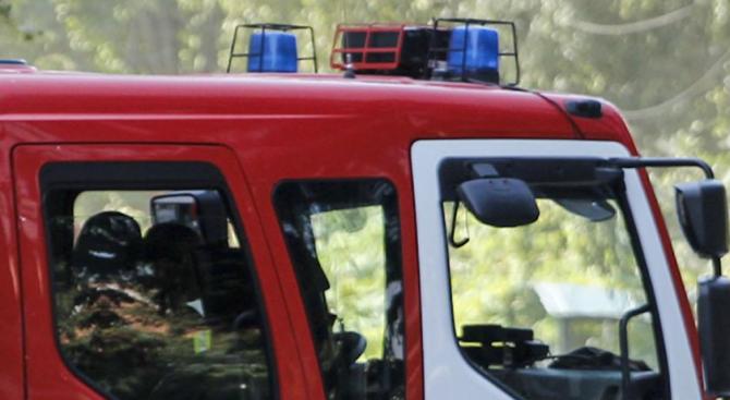 Пожарът край Харманли е овладян, но има притеснения за ново възпламеняване