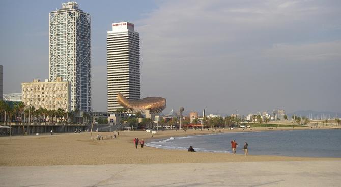 Испанската полиция разпространи кадри на експлозива, открит на морското дъно,