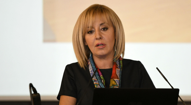 Манолова води с 8% на Фандъкова за кмет на София, сочи проучване на Галъп