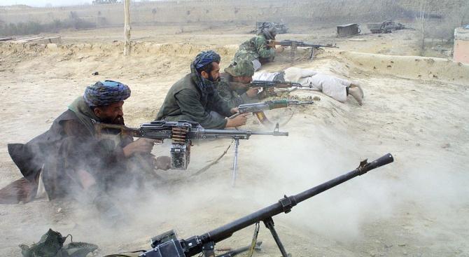 Талибани убиха днес най-малко 14 души от проправителствена милиция в