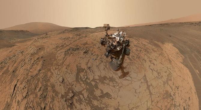 """Марсоходът за мисията """"ЕкзоМарс"""" е готов"""