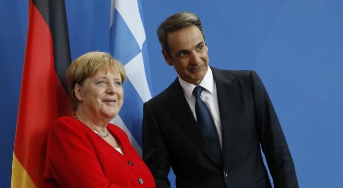 Гръцката икономика е отбелязала успех. Това е казала Ангела Меркел,