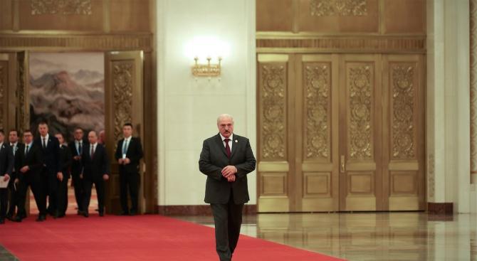 Беларуският президент Александър Лукашенко, близък съюзник на Русия, предложи днес
