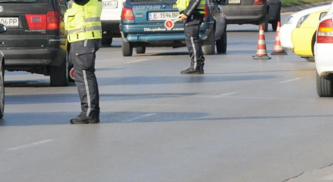 Възстановено е движението по главен път Е-83 в местността Хумата,