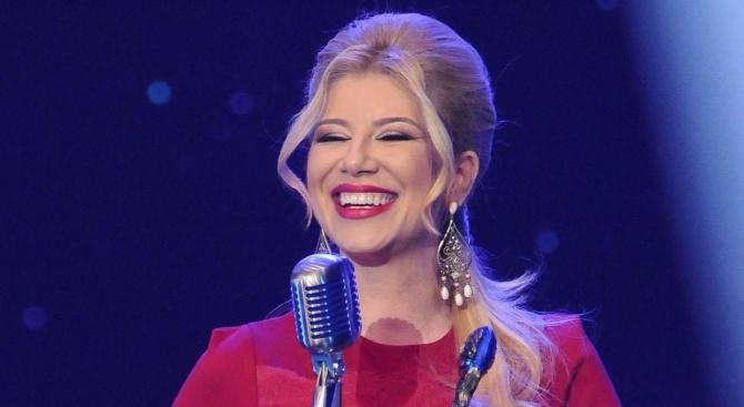 Певицата Нелина се раздели с колегите си в Планета ТВ