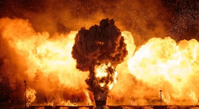 13 загинали и 64 ранени при взривове в химически завод в Западна Индия