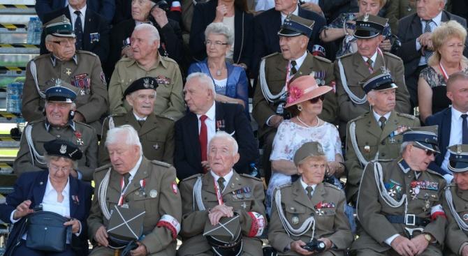 Президентът на Полша Анджей Дуда откри днес във Варшава главната