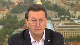 Таско Ерменков със сигнал: Италианците си горят боклуците у нас