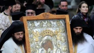 Две чудотворни икони посрещат в Стара Загора
