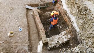 Откриха две мраморни скулптури при разкопките в древния град Хераклея Синтика