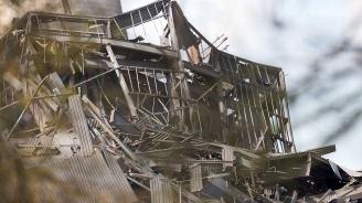 Сграда рухна в Русия: Има погребани