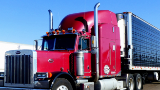 Български тираджия в САЩ почина внезапно на спирка за камиони