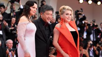 """Катрин Деньов вложила много от себе си в своя персонаж във филма """"Истината"""""""
