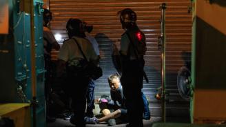 Още двама продемократични парламентаристи са арестувани в Хонконг