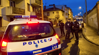 Един убит и 9 ранени при нападение с нож край Лион